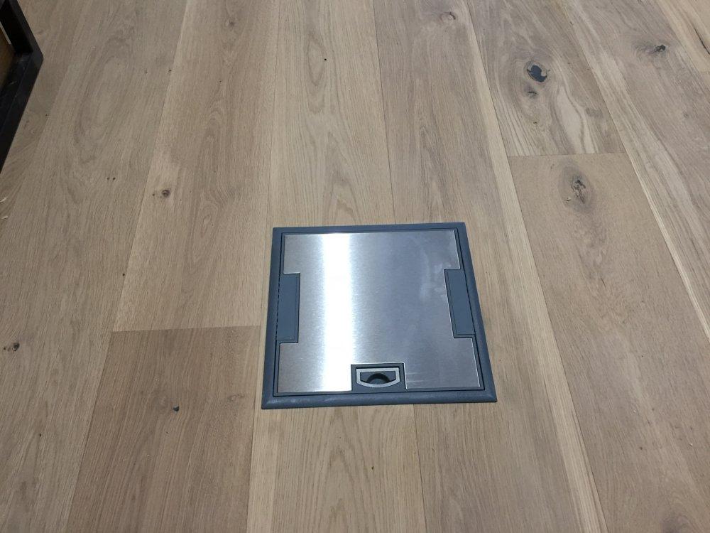 equipements lectriques adapt s pour les bureaux. Black Bedroom Furniture Sets. Home Design Ideas