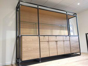 Meuble de bureaux en bois et en métal