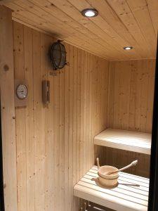 Elephant blanc sauna spots bois design vintage