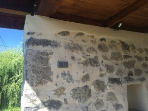 Interrupteurs encastrés dans les murs du four de Méry