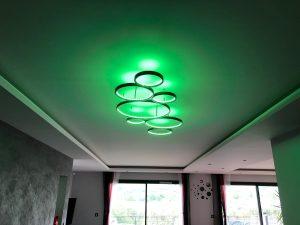 Maison cubes viviers lustre design métal tendance bandeau led RGB