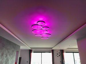 Maison cubes viviers lustre design métal tendance ruban lumineux RGB
