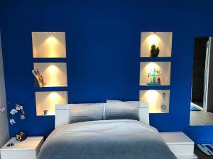 Maison cubes viviers niches chambre tête de lit spot
