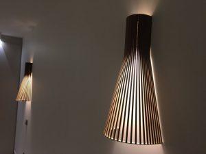 Applique en bois moderne de la chambre double