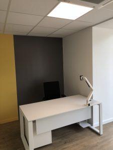 poste de travail bureau simple avec éclairage pavé led