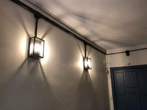 couloirs_communs_vintage_contraste_appliques