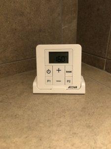 thermostat des radiateurs sèche serviettes dans les salles de bains